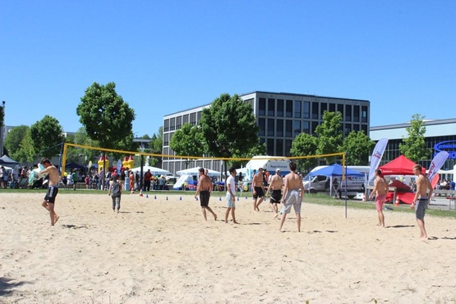 Die Kirche für Oberberg organisiert Beach-Volley Spiele